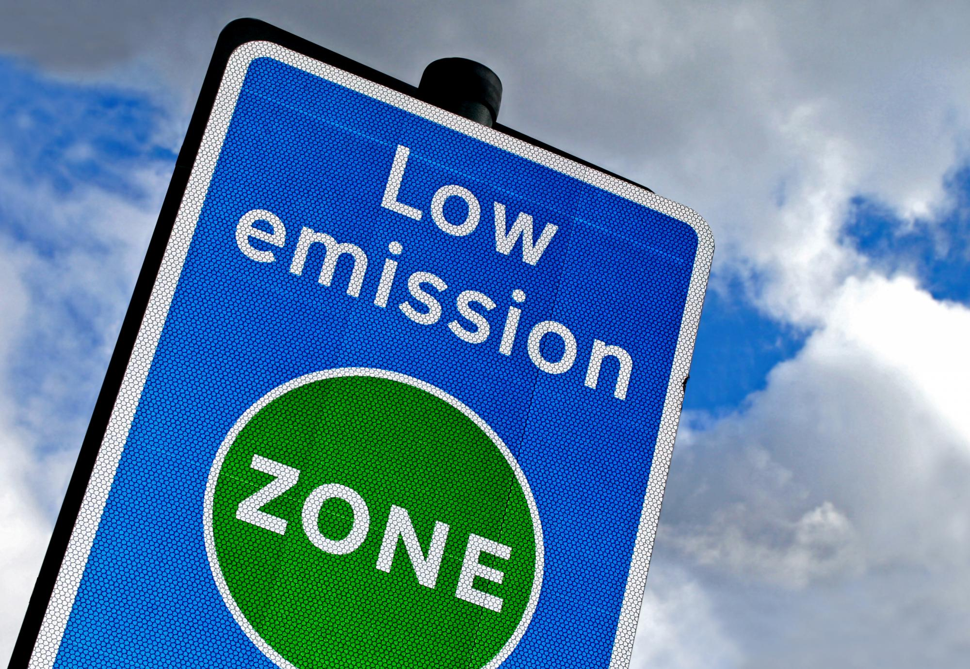 Low emissions zone sign.